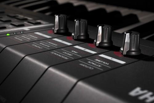Yamaha MX49 MX61 синтезаторы