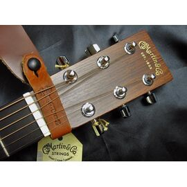 Переходник для ремня MARTIN 18A0032 Brown Headstock Guitar Strap Tie, фото 3