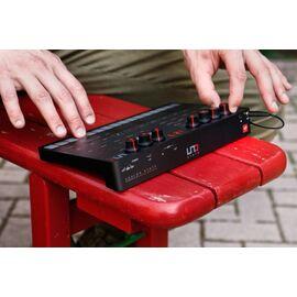 Портативний аналоговий синтезатор IK MULTIMEDIA UNO Synth, фото 2