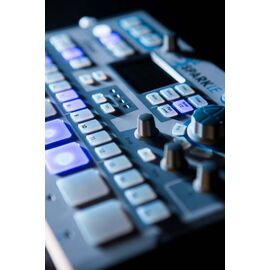 MIDI-контроллер/Ритм-машина Arturia SparkLE, фото 4
