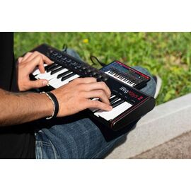 MIDI клавиатура IK MULTIMEDIA iRig Keys 2, фото 9